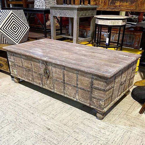 Panel Coffee Table Trunk
